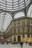 Galleria umberto e il popolo dello shopping, Napoli, Italia — Foto Stock