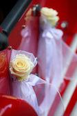 Eski model kırmızı araba kapı detayı — Stok fotoğraf