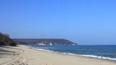 Beautiful empty beach — Stock Video