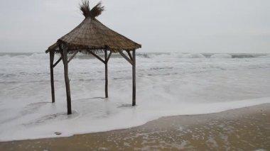 Wooden hut on the beach — Stock Video