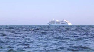 Barco de pasajeros — Vídeo de Stock