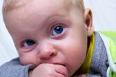 Bebé grave — Foto de Stock