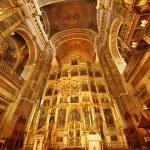 Golden church interior — Stock Photo #12546643