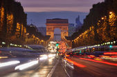Traffic in Paris, Arc de Triomphe — Stock Photo
