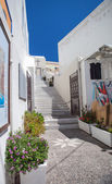 Well-maintained streets of Santorini — Stock Photo