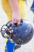 头盔播放机美式橄榄球 — 图库照片