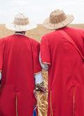 Men look at wheat harvest — Stock Photo