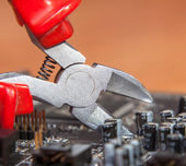 Inspection and repair of electronics — Stock Photo