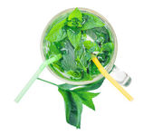 Invigorating fresh mojito — Stock Photo