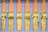 Hindu Temple Goddess and Priestess Wall Carvings — Stock Photo