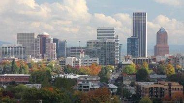 Portland Oregon City Skyline on a Autumn Day — Stock Video