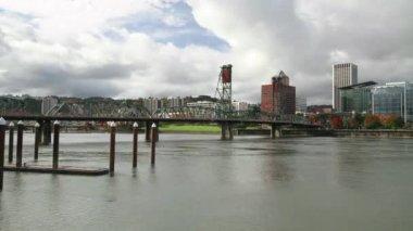 Portland Oregon Skyline with Hawthorne Bridge on Willamette River in Fall Timelapse — Stock Video