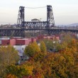 Steel Bridge Over Willamette River In Fall — Stock Photo