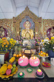 Burmese Temple Buddha Altar — Stock Photo