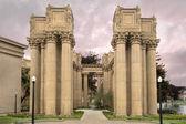 Corinthian Style Column at Palace of Fine Arts — Stock Photo