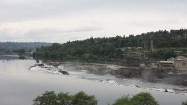 Willamette Falls in Oregon City with Hydro Electric Generator Facility and Paper Mills Panning 1080p — Stock Video