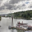 Historic Sternwheeler Docked Along Willamette River — Stock Photo