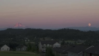 Time Lapse of Moonrise over Happy Valley Residential Area in Oregon with Mountain Range and Trees on a Full Moon Evening 1920x1080 — Stock Video