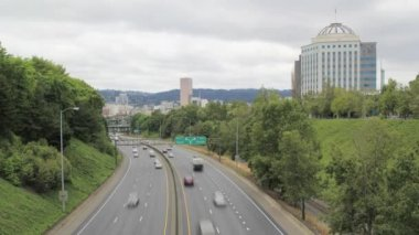 Interstate Highway I-84 in Portland Oregon Timelapse with Downtown City View on a Cloudy Day 1920x1080 — Stock Video