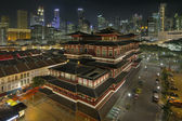 Chinese Temple in Singapore Chinatown at Night — Stock Photo