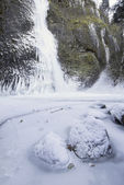 Horsetail falls Frozen in Winter Vertical — Stock Photo