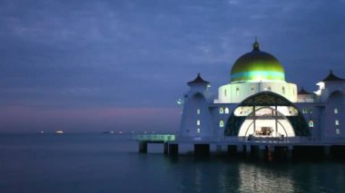 Malacca Straits Mosque with Water Reflection at Blue Hour Evening in Malaysia 1080p — Stock Video