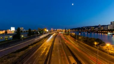Time Lapse of Long Exposure Light Trails on Marquam Freeway during Peak Hour Over Downtown Portland Oregon along Willamette River at Blue Hour 1080p — Stock Video