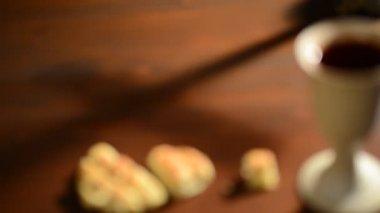 Cálice e pão — Vídeo stock