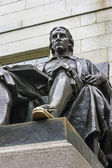 John Harvard Statue — Stock Photo