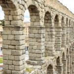 Roman aqueduct in Segovia, Spain — Stock Photo