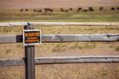 'No hunting without permission' sign — Stock Photo
