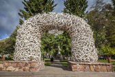 Elk Antler Arches in Jackson Town Square, Wyoming — Stock Photo