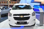NONTHABURI - March 25: New Chevrolet Spin 1.5 Litre on display a — Foto de Stock