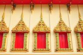 Ancient Golden carving wooden door of Thai temple in Bangkok, Th — Stock Photo