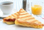 ızgara peynir sandviç — Stok fotoğraf