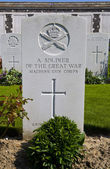 Grave of a Soldier of the Great War in Tyne Cot Cemetery — Stock Photo