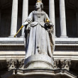 Queen Anne Statue infront of St. Paul's Cathedral — Stock Photo #24901375
