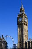 Big Ben (Houses of Parliament) and the London Eye — Stock Photo