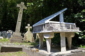 Gravestones and Sculptures in Highgate Cemetery — Stock Photo