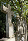 Graveyard Angel & Cross — Stock Photo