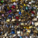Love Padlocks on the Pont Des Arts in Paris — Stock Photo