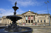 Walker art gallery e steble fonte em liverpool — Fotografia Stock