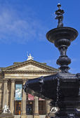 Walker Art Gallery and Steble Fountain in Liverpool — Foto Stock