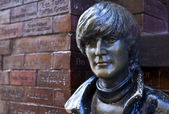 John Lennon Statue in Liverpool — Stock Photo
