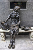 Eleanor Rigby Sculpture in Liverpool — Stock Photo