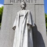 Edith Cavell Memorial in London — Stock Photo #48047119
