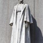 Edith Cavell Memorial in London — Stock Photo #48047129