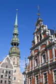 House of the Blackheads and St. Peter's Church in Riga — Stock Photo