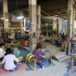 Textile weaving workshop siem reap cambodia — Stock Photo