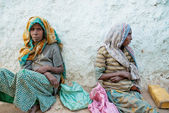 Harar ethiopia old town city east africa poor beggar women — Stock Photo